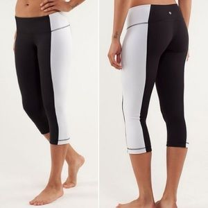 Lululemon wunder under crop black & white 10